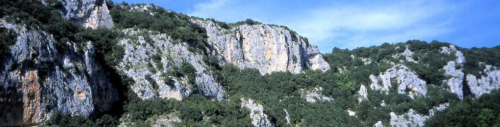 Ardèche Gard Vaucluse - Cirque d\'estre de la grotte chauvet du pont d\'arc site UNESCO